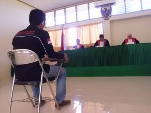 Terdakwa memberikan keterangan dihadapan majelis Hakim